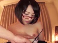 オタサーの姫があざといメガネ姿で誘惑→ビッチマンコに大量中出し!