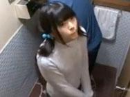 旅館先のトイレで鬼畜男にレイプされてしまう美少女w