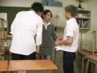 カワイイ女教師に掃除について怒られたので生徒が3Pレイプ