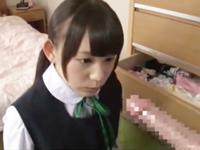「大っきくなってるょ」ロリカワ美少女が弟チンポを手コキ&フェラ抜き!