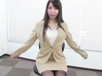 OLお姉さんのテクが凄すぎて着衣のまま大量ぶっかけ!