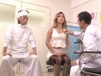 産婦人科で医者の猥褻診察に発情→肉棒挿入するも拒否ること無く喘ぐ淫乱ギャル