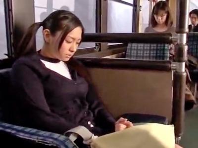 神カワJK「ダメぇ!イくぅう!」バス内痴漢に発情した巨乳JKがその場パコに絶頂!