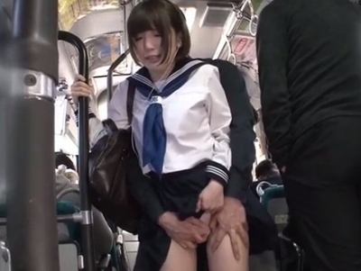 タイプの異なる女たちが様々なシチュエーションで膣内注入パコ!