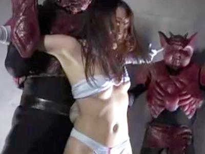 悪の組織に捕まった巨乳ヒロイン→複数チンポの拷問を受け強制中出し