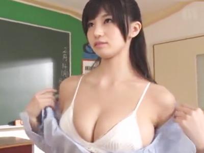 痴女教師高橋しょう子が生徒を誘惑→教室でパコハメ!