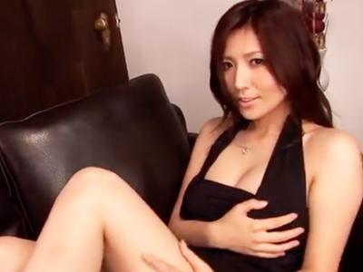 「挿れてもいい?」椎名ゆなちゃんが下のお口でデカチン咥え込む濃厚パコ