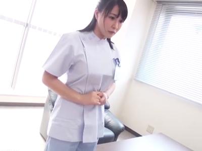 「許して下さい‥」豊満なカラダを使って遺族に謝罪するデカパイ看護師
