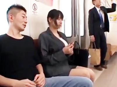 「えっ‥ちょっと!」人気の無い電車で輪姦レイプされる爆乳OL