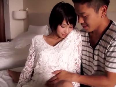 スタイル抜群美少女・湊莉久ちゃんと濃密ホテルパコ→美尻に大量発射!