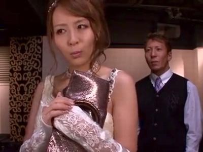 NO1のためなら手段を選ばないドスケベキャバ嬢→店長まで誘惑し顔射パコ!
