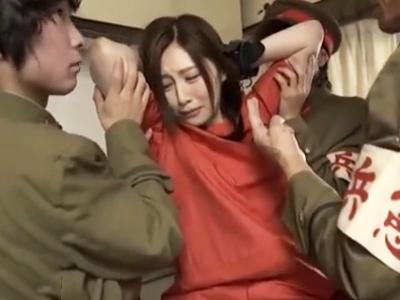 軍人の慰安婦に勝手に認定され輪姦レイプされちゃう美人妻