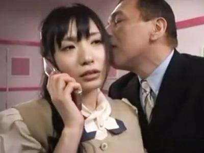「オッサンとヤってるから電話しないで」SEXに集中するために即電話を切る痴女OL
