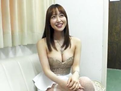 ふんわり系美女・篠田ゆうちゃんが大量ザー汁を一滴残らず顔面受精!