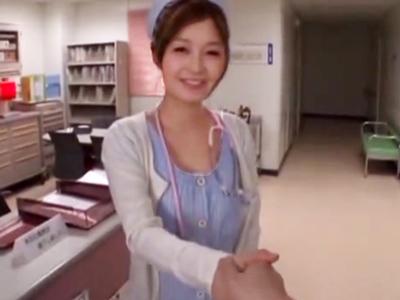 入院中にお世話になった美女ナース→退院祝いに顔射パコしたったw