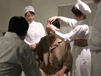 戦時中の巨乳ナースが兵士達の慰安として中出し肉便器になってた歴史動画ww