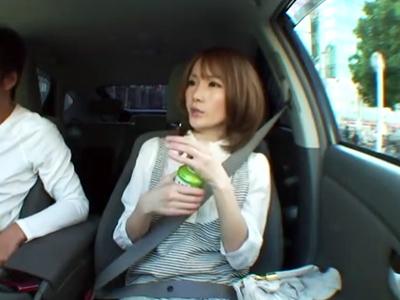 せっかくのデートなのに渋滞でイラつくギャル系美女→うっぷん晴らしで車内フェラ!