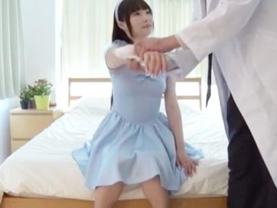 清純ロリ顔美少女がハゲオヤジのチンポに汚される中出しファック!