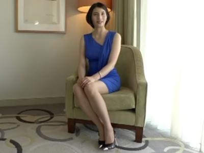 スタイル抜群の美熟女と真っ昼間のホテルで濃厚ハメ!