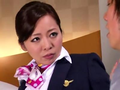 免税品の大量横流しがバレた美人CA→口止めSEXでイキ乱れ!