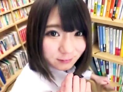 図書館に居合わせた美少女JKのパンチラに発情→抑え切れず即パコ開始!