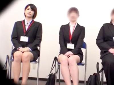 就活JDが第一志望入社のため色仕掛け→人事部長との中出しSEXで内定ゲット!