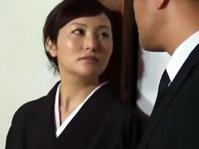 「天罰?そんなもの知らないわ」夫の葬式直後から他人棒とパコりまくる不貞妻