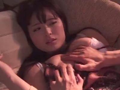 「中は…許してください…」パイパン巨乳人妻が夫以外の男に抱かれ、そのまま生中出し