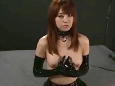黒ボンテージの吉沢明歩ちゃんを3Pイマラ調教→連続ぶち込みからのフル顔射!