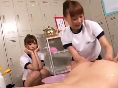 ソープ部伝統の練習でクラスメイトを練習台にしてぶっかけパコ
