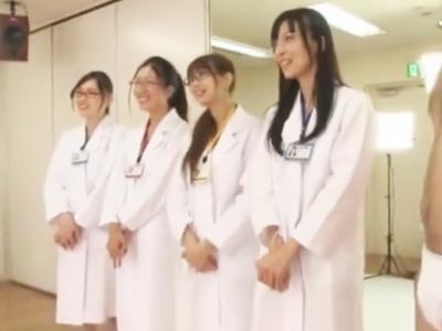 ちんぽ研究会のインテリメガネ美女4人が実演講習中に乱交パコw