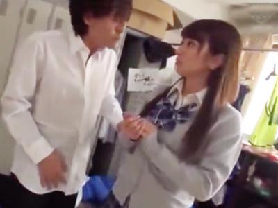 激カワな後輩JKマネージャーと更衣室で鬼ピスSEX!