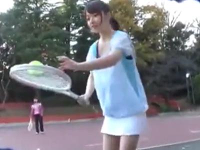 テニスサークルに所属する激カワJDを自宅に連れ込み即パコ!