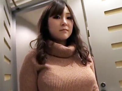 暴力的なほどのエロさのデカ乳お姉さんがホテルでハメ撮りパコ