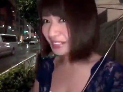 凄テク美女・尾上若葉ちゃんの猛攻に耐え切れたら生本番セックス!