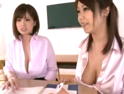 爆乳教師2人からWパイズリ責めで我慢できずにザーメン発射