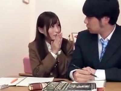 「お願い一回だけ!」イケメン家庭教師を誘惑しチンポ咥え込む美少女JK