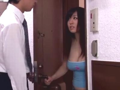 「やだ…やめてッ」巨乳美女が無理やりチンポを咥えさせられ悶絶w