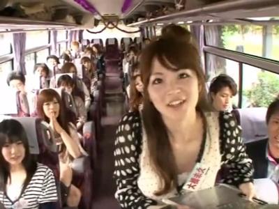 バコバコバスツアーSP!有名女優達がバス内で早速フェラ抜き!
