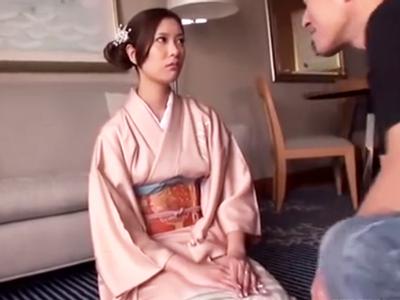 和服が良く似合う美人妻をホテル招待→すぐさま脱がせデカチン挿入!
