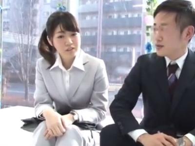 「本当にやるんですか?」お金の誘惑に負け上司と部下の関係から男女の関係へw