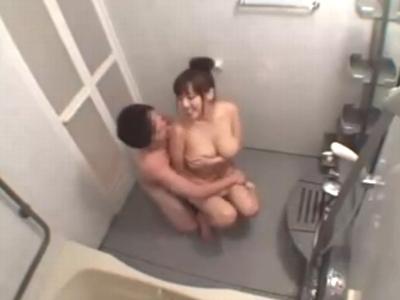 「やだ!だめ!外に出して」お風呂場に入ってきた弟に中出しされてしまう巨乳お姉ちゃんw