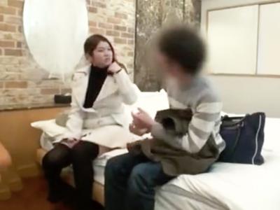 ネットで知り合った素人お姉さんをホテルでハメ倒してザーメン中出し