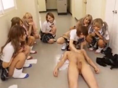 ヤリマン学園でギャルJK達に集団で痴女られて我慢できずにザーメン中出し