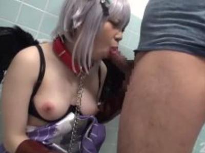 肉便器なコスプレイヤーが子宮に次々と中出しザーメンを注がれ悶絶w