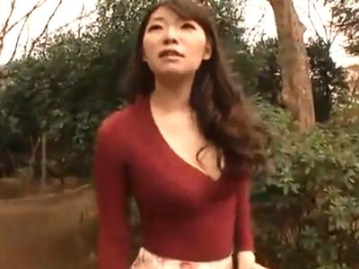 公園でナンパした巨乳妻をホテルに連れ込み即日ハメ!