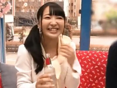 桜舞う季節に同級生チンポで膣奥責められてカメラの前でイキ果てる素人娘