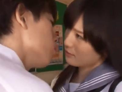 放課後の教室で男子誘ってパコ→お掃除フェラまでこなしちゃう淫乱JK