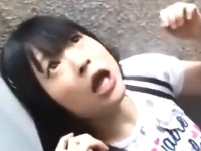 ガチロリ美少女が鬼畜ロリコン男による強制イラマ&喉奥射精で悶絶