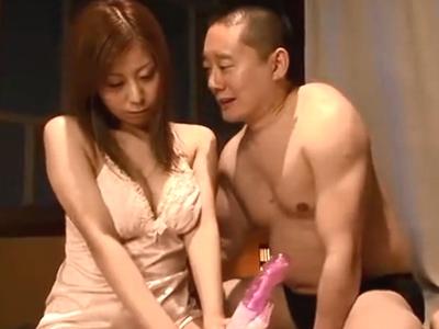 「嫌ッ!ほんとやめてくださぃ!」美人妻が変態男に容赦なくパコられるw